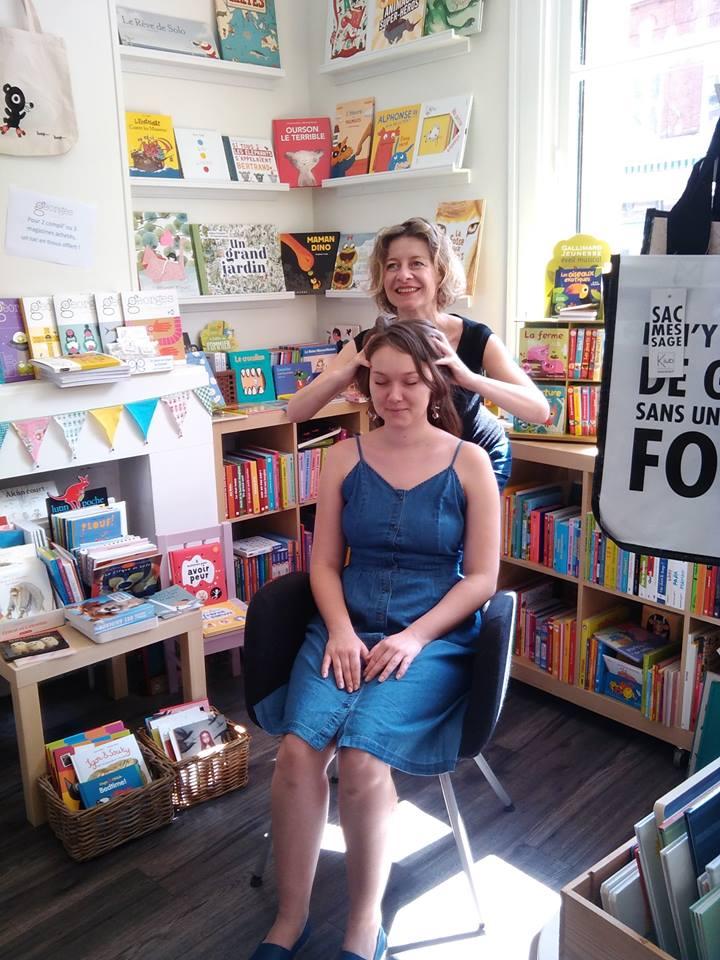 Séance de massage crânien à la librairie avec Bernadette A.